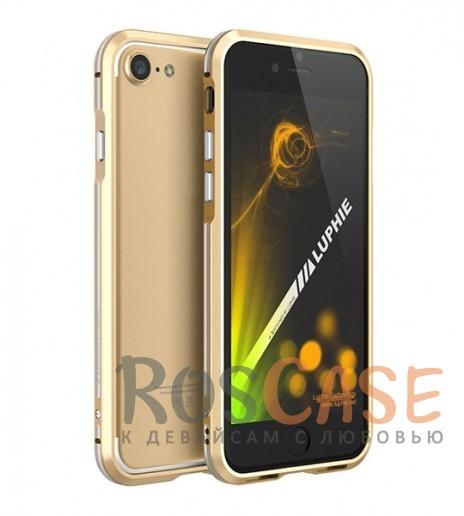 Алюминиевый бампер Luphie Blade Sword для Apple iPhone 7 (4.7) (Золотой / Серебряный)Описание:бренд -&amp;nbsp;Luphie;материал - алюминий;совместим с Apple iPhone 7 (4.7);тип - бампер.Особенности:двухцветный дизайн;усиливает звук;прочный алюминий;в наличии все вырезы;ультратонкий дизайн;защита граней от ударов и царапин.<br><br>Тип: Чехол<br>Бренд: Luphie<br>Материал: Металл