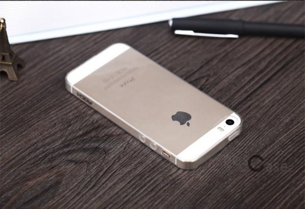TPU чехол ROCK Ultrathin Slim Jacket для Apple iPhone 5/5S/SE (Бесцветный / Transparent)Описание:производящая компания Rock;изготовлен из термополиуретана;матовое покрытие снаружи;конструкция в форме накладки.&amp;nbsp;Особенности:респектабельный дизайн;продленные сроки износоустойчивости;хорошие параметры гибкости и эластичности;легкий механизм фиксации;полная герметичность, исключающая попадание пыли и грязи.&amp;nbsp;<br><br>Тип: Чехол<br>Бренд: ROCK<br>Материал: TPU