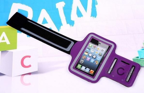 Фото неопреновго наручного держателя Sports Armband для смартфонов 5 дюймов