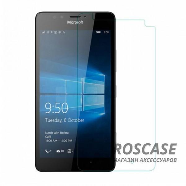 Защитное стекло Ultra Tempered Glass 0.33mm (H+) для Microsoft Lumia 950 (картонная упаковка)Описание:бренд&amp;nbsp;Epik;идеально совместимо с&amp;nbsp;Microsoft Lumia 950;материал: закаленное стекло;тип: защитное стекло на экран.&amp;nbsp;Особенности:закругленные&amp;nbsp;грани;не влияет на чувствительность сенсора;легко очищается;толщина - &amp;nbsp;0,33 мм;абсолютно прозрачное;защита от царапин и ударов.<br><br>Тип: Защитное стекло<br>Бренд: Epik