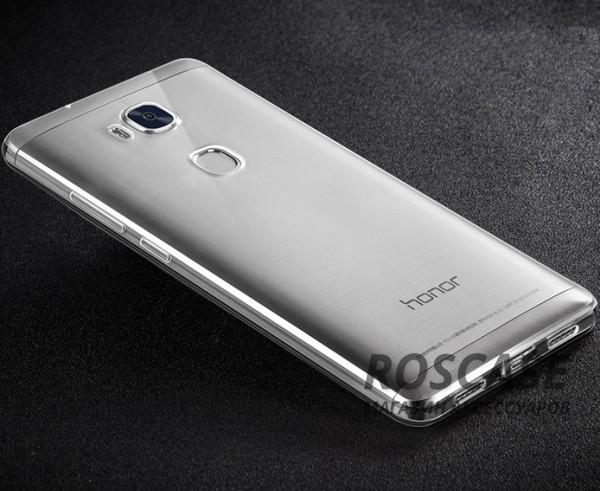 Тонкий прозрачный силиконовый чехол Msvii для Huawei Honor 5X / GR5 с заглушкой +стекло (Серый)Описание:производитель  -  Msvii;совместимость  -  смартфон Huawei Honor X5 / GR5;материал  -  силикон;форм-фактор  -  накладка.Особенности:имеется заглушка;прочность и износостойкость;не теряет эластичности;не деформируется;имеет все необходимые функциональные вырезы;не скользит в руках;защитное стекло на экран в комплекте.<br><br>Тип: Чехол<br>Бренд: Epik<br>Материал: TPU