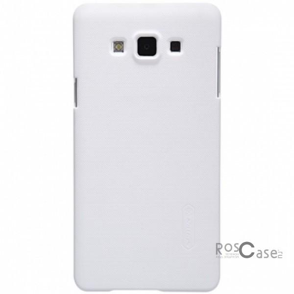 Чехол Nillkin Matte для Samsung A700H / A700F Galaxy A7 (+ пленка)  (Белый)Описание:Чехол изготовлен компанией&amp;nbsp;Nillkin;Спроектирован для Samsung A700H / A700F Galaxy A7;Материал  -  пластик;Форма  -  накладка.Особенности:Полностью защищен от появления потертостей;В комплект входит глянцевая пленка;Имеет ребристое матовое покрытие и антикислотное напыление;Тонкий дизайн.<br><br>Тип: Чехол<br>Бренд: Nillkin<br>Материал: Поликарбонат