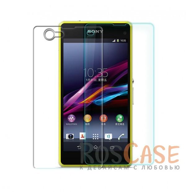 Антибликовое защитное стекло с олеофобным покрытием анти-отпечатки для Sony Xperia Z1 Compact (+ пленка на зад.панель)Описание:компания-производитель:&amp;nbsp;Nillkin;разработано специально для Sony Xperia Z1 Compact;материал: закаленное стекло;тип: стекло.&amp;nbsp;Особенности:имеются все функциональные вырезы;в комплекте защита на камеру и заднюю панель;антибликовое покрытие;твердость 9H;не влияет на чувствительность сенсора;легко очищается;толщина - &amp;nbsp;0,3 мм;анти-отпечатки.<br><br>Тип: Защитное стекло<br>Бренд: Nillkin