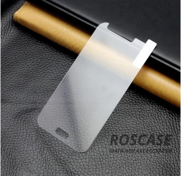 Защитное стекло Ultra Tempered Glass 0.33mm (H+) для Samsung J700H Galaxy J7 (карт. уп-вка)Описание:совместимо с устройством Samsung J700H Galaxy J7;материал: закаленное стекло;тип: защитное стекло на экран.&amp;nbsp;Особенности:закругленные&amp;nbsp;грани стекла обеспечивают лучшую фиксацию на экране;стекло очень тонкое - 0,33 мм;отзыв сенсорных кнопок сохраняется;стекло не искажает картинку, так как абсолютно прозрачное;выдерживает удары и защищает от царапин;размеры и вырезы стекла соответствуют особенностям дисплея.<br><br>Тип: Защитное стекло<br>Бренд: Epik