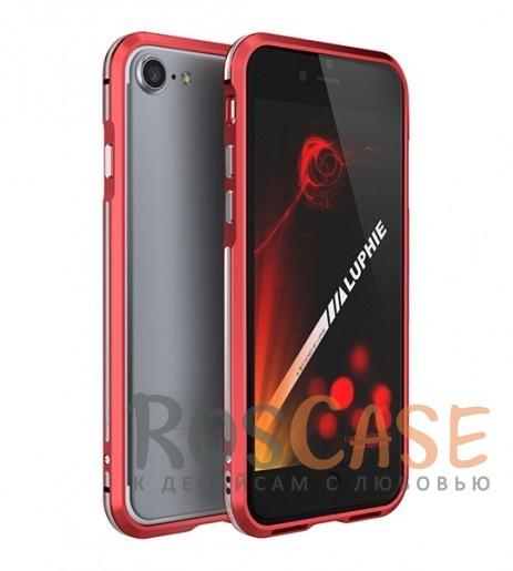 Алюминиевый бампер Luphie Blade Sword для Apple iPhone 7 (4.7) (Красный / Серебряный)Описание:бренд -&amp;nbsp;Luphie;материал - алюминий;совместим с Apple iPhone 7 (4.7);тип - бампер.Особенности:двухцветный дизайн;усиливает звук;прочный алюминий;в наличии все вырезы;ультратонкий дизайн;защита граней от ударов и царапин.<br><br>Тип: Чехол<br>Бренд: Luphie<br>Материал: Металл